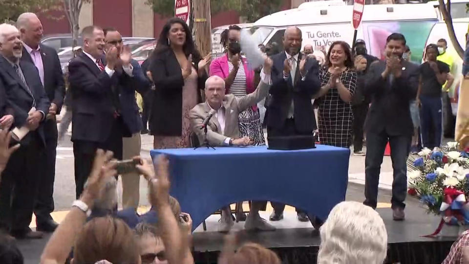Picture for Gov. Phil Murphy Signs Sweeping Housing Eviction Prevention, Utility Assurance Into Law