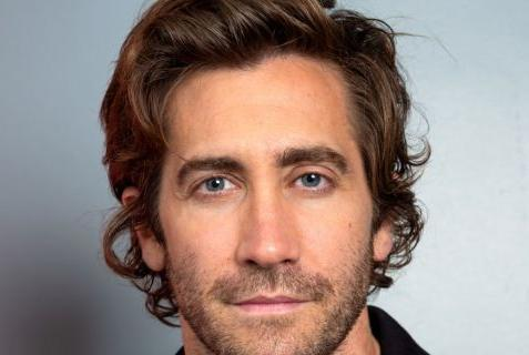 Picture for Riiiiiiight: Jake Gyllenhaal Claims His Musty Mysterio Musings About Not Bathing Were 'Sarcastic And Ironic'