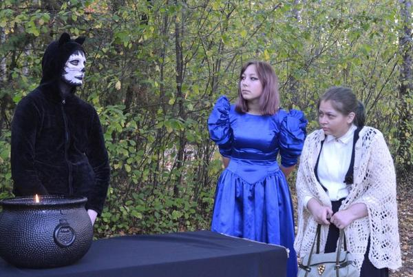 Picture for AHS Drama brings spooky fun to Prentice Park