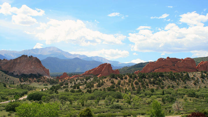 Cover for 4 Awesome and free things to do in Colorado Springs