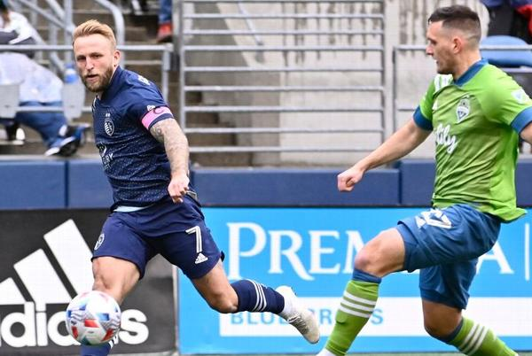 Picture for Sporting KC edges Sounders to clinch playoff berth