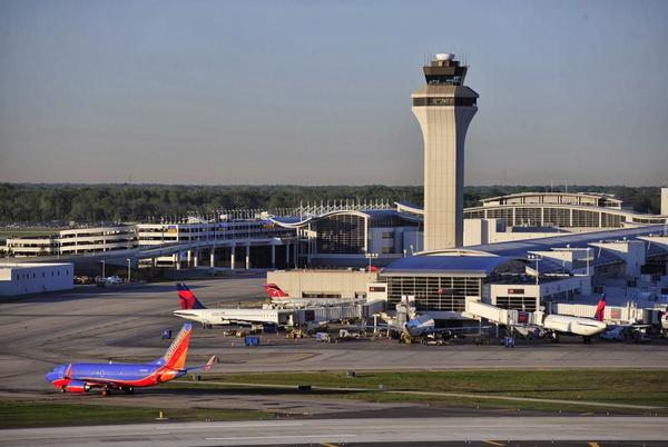 Picture for From Propeller Planes To International Jets: Detroit Metro Airport