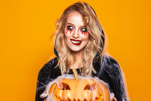 Picture for The 12 Best Halloween Makeup Products For 2021