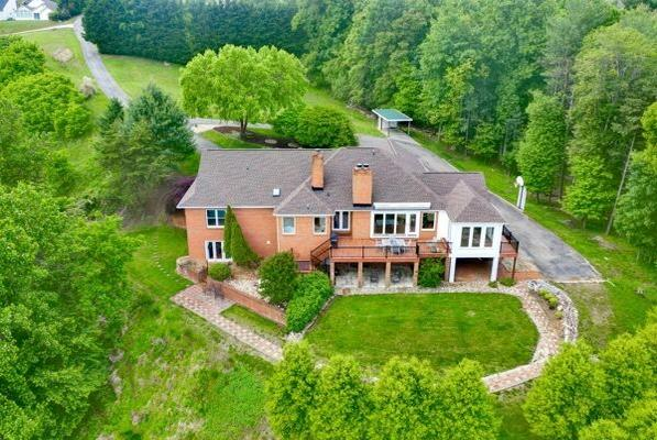 Picture for 8 Bedroom Home in Roanoke - $1,140,000