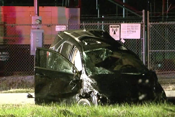 Picture for Driver dies after flipping his SUV over railroad tracks