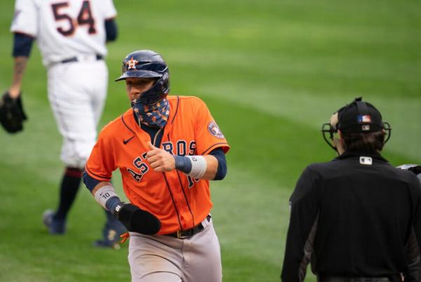 Picture for Twins' Game 1 loss to Astros result of ninth-inning meltdown, weak offense