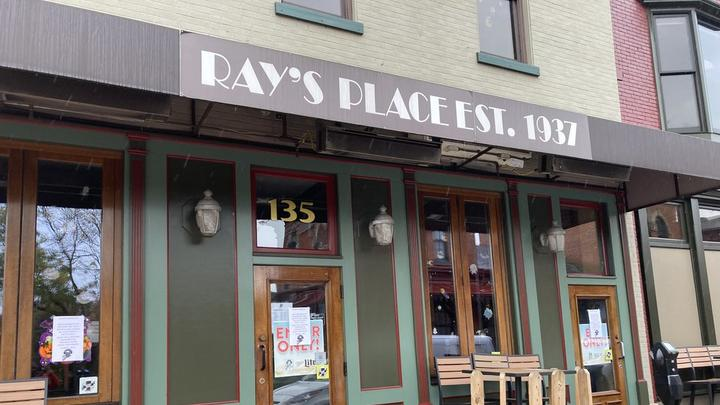 Cover for Kent favorite Ray's Place temporarily closes after kitchen staff walks out