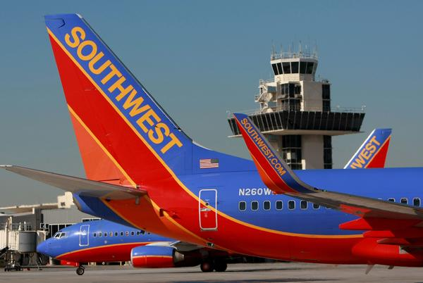 Picture for Southwest Airlines cancels over 1,000 weekend flights, blames weather and air traffic control issues