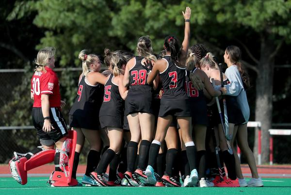 Picture for No. 10 Rutgers field hockey beats No. 3 Northwestern 2-1