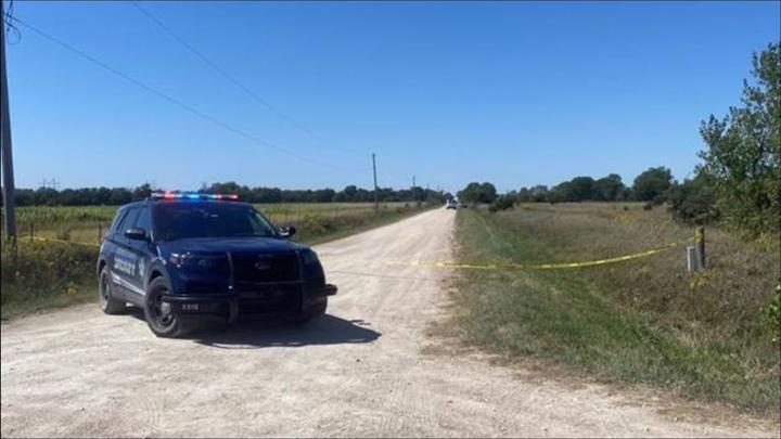 Cover for Woman's body found along road northeast of Wichita