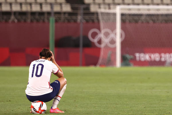 Picture for Carli Lloyd was seen doing sprints alone on the field after USWNT's loss and fans loved it