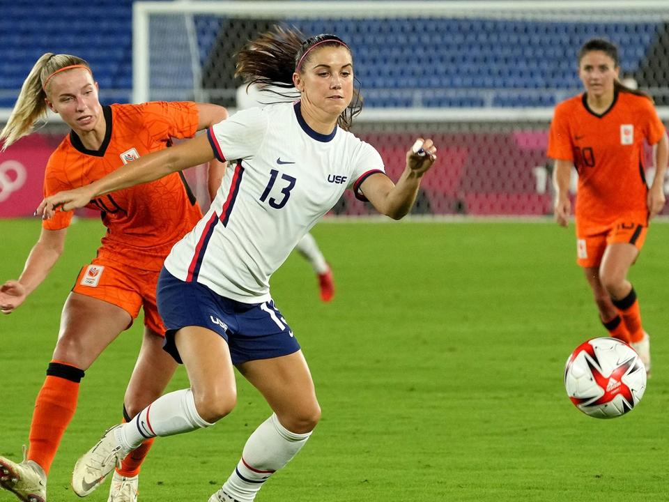 us-women-s-soccer-to-battle-canada-with-gold-medal-match-berth-at-stake