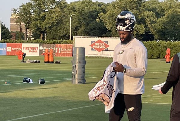 Picture for Eagles Sign DE Josh Sweat to 3-Year Extension