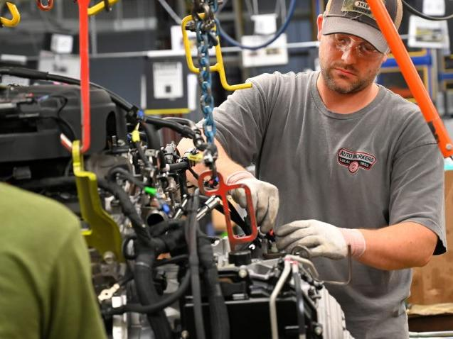gm-cutting-production-at-several-north-american-plants-due-to-chip-shortage