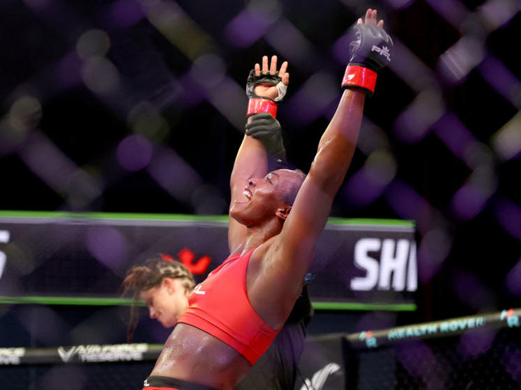 pfl-4-claressa-shields-earns-come-from-behind-tko-of-brittney-elki-in-mma-debut-video