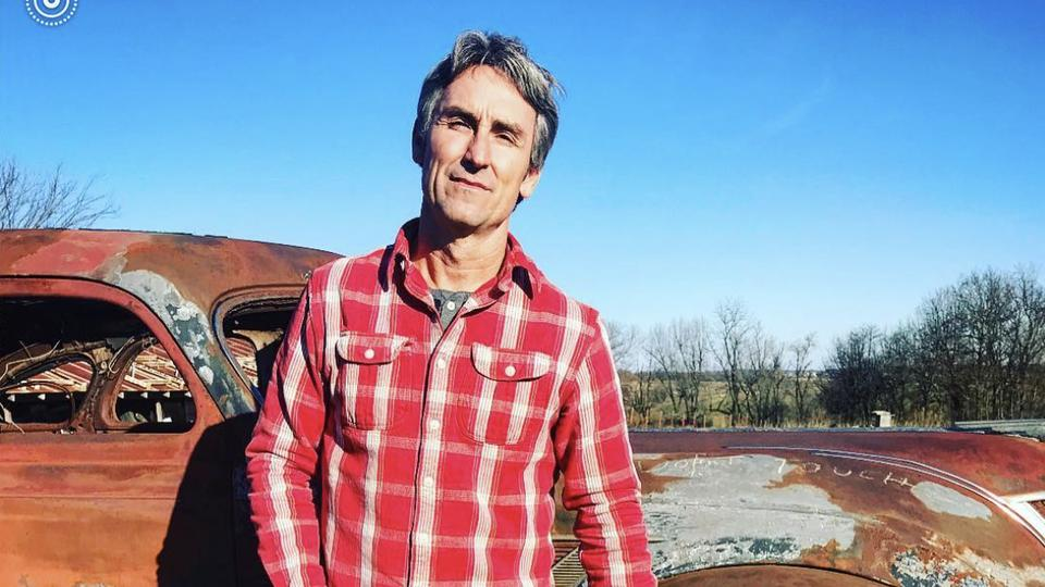 Picture for Inside American Pickers star Mike Wolfe's Wild West-themed Tennessee vacation home that he rents out to fans