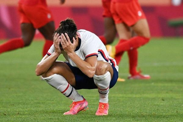 Picture for USWNT-Canada score: USA fail to win gold medal, fall to Canada after late penalty in women's soccer semifinals