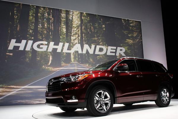 Picture for Best Used Midsize SUVs Under $20,000 According to KBB