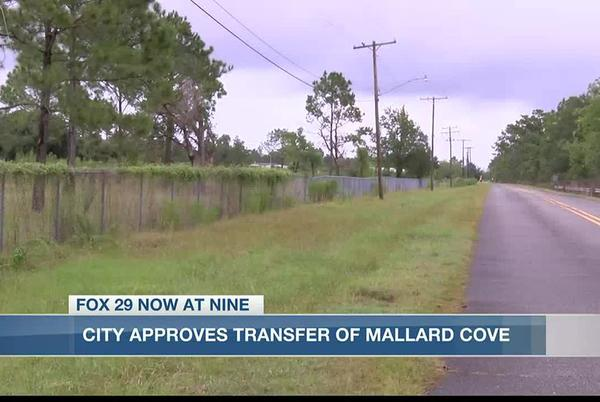 Picture for City transfers Mallard Cove Golf Course property to Chennault Airport