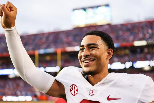 Picture for Alabama vs. Florida final score, results: No. 1 Alabama escapes Swamp with victory