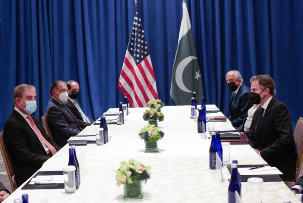 Picture for Report: U.S. nears formal agreement to use Pakistan's airspace