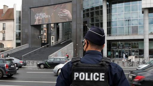 Paris Knife Attack Suspect Says He Was Targeting Charlie Hebdo Police Source News Break