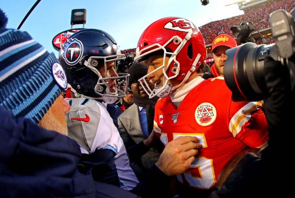 Picture for NFL games today: Full TV schedule, daily fantasy picks, best bets