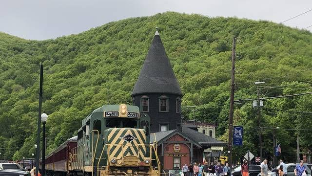 Picture for 'Switzerland of America,' Jim Thorpe beckons
