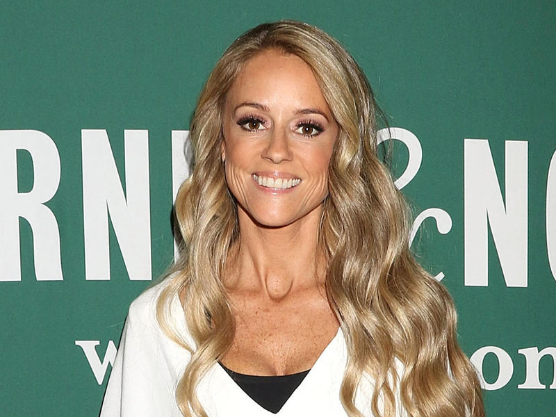 Nicole Curtis To Host New Hgtv Series Rehab Addict Rescue After 2 Years Out Of The Spotlight News Break