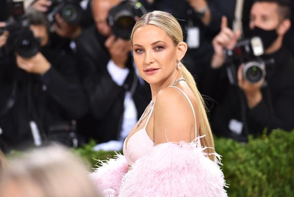 Picture for Mom shamers tell Kate Hudson her daughter Rani, 2, is too old to use a pacifier. Here's what experts say