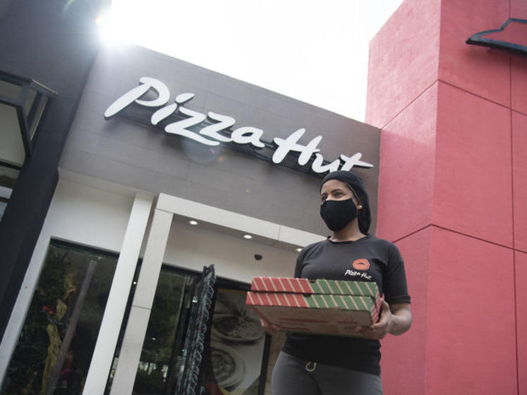 Pizza Hut Christmas Day 2021 Is Pizza Hut Open On Christmas Eve Or Christmas Day 2020 News Break