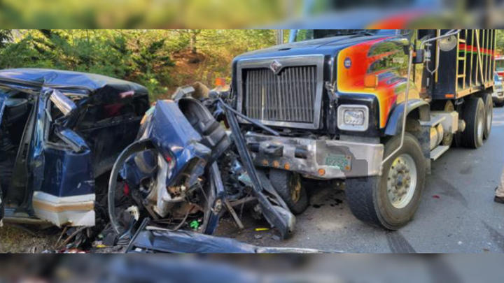 Cover for 2 hospitalized after pickup truck collides head-on with dump truck in NH