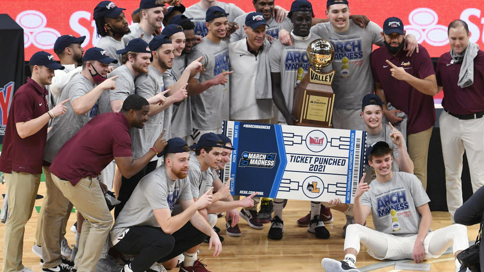 Picture for Loyola-Chicago Back In NCAA Tournament, Can They Recapture 2018 Magic? 'It Will be Fun Watching Them Again' Says CBS' Bill Raftery