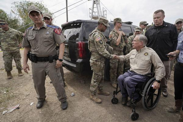 Picture for Abbott announces more funding for Operation Lone Star as hundreds of law enforcement officers descend on Del Rio