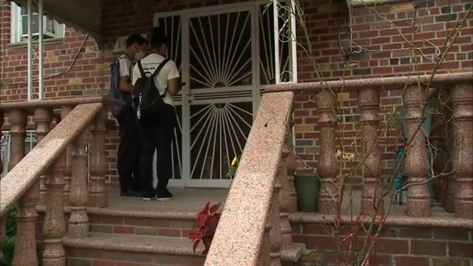 Picture for Coronavirus Update NYC: Volunteers going door to door to encourage holdouts to get their vaccine