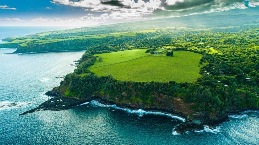 Picture for Legendary windsurfer Robby Naish asks $18 million for Hawaii estate