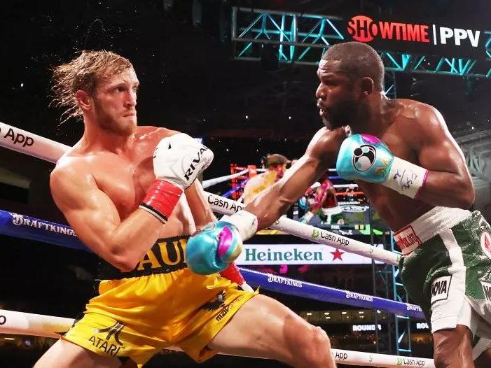 logan-paul-vs-floyd-mayweather-leaves-viewers-outraged-as-fans-want-their-money-back