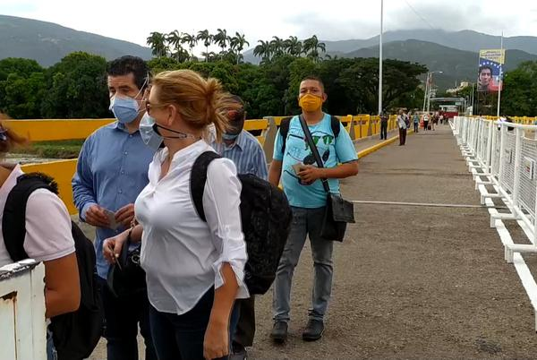 Picture for Colombia, Venezuela reopen main border crossing points