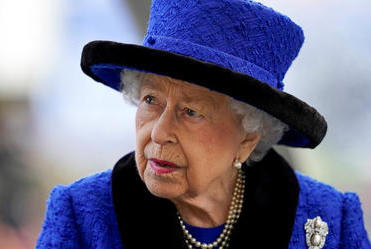 Picture for Queen cancels trip on doctor's orders