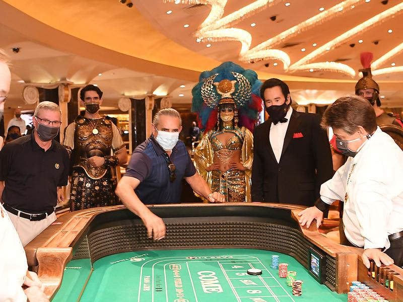 Do You Have To Wear A Mask In Las Vegas Casinos If You Want To Get Paid You Do News Break