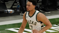 Cover for Bryn Forbes Declines $2.5M Player Option With Bucks