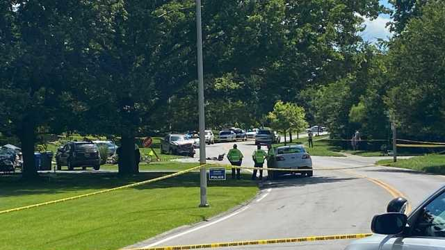 Picture for Man flees police, dies after three-car crash in Lexington