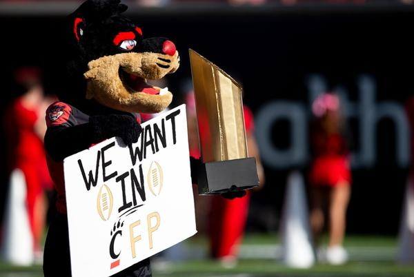 Picture for SI's Top 10: Cincinnati, Oklahoma Dismantle Opponents in Week 7 Supremacy