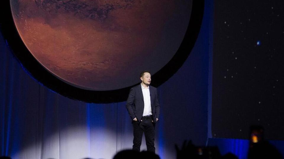 Elon Musk to share latest moon and Mars plans with Earthlings Friday