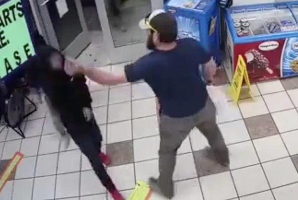 Picture for Watch: Armed gas station robbery foiled by Marine veteran