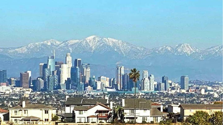 Cover for L.A. County fights COVID-19 with new vaccination mandates
