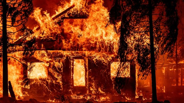 Picture for Firefighters battle California blaze generating its own weather