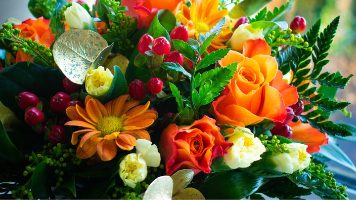 Cover for Places to get your beautiful flowers bouquet in Clarksville