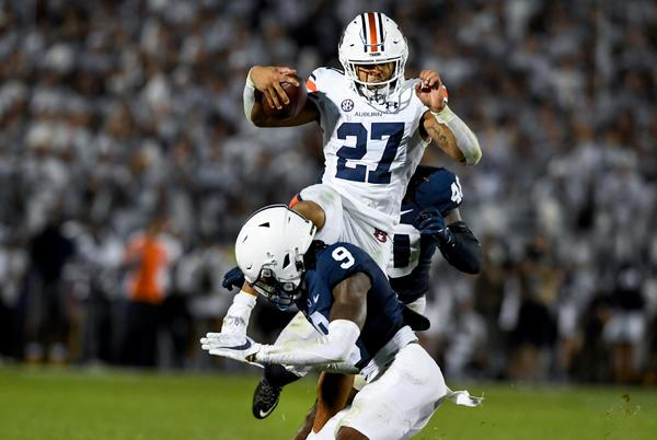 Picture for Auburn football QB Bo Nix had 'many different options' on crucial fourth down against Penn State