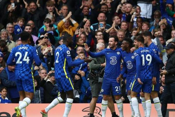 Picture for 'This is why Chelsea will win the Premier League title - but is it time for a change at Norwich?'